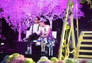 Phương Thanh tiết lộ thường hôn trộm Lam Trường khi hát song ca