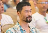 Johnny Trí Nguyễn già nua, râu ria xồm xoàm đến mức ai cũng phải giật mình