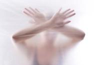 Tiết lộ kinh hoàng của chồng đằng sau những video ghi cảnh vợ chồng ân ái
