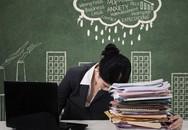 Hy sinh tuổi xuân để chịu đựng khổ đau công sở - liệu có đáng?