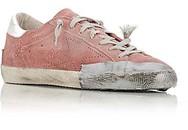 """Đôi giày rách rao bán giá """"cắt cổ"""" khiến khách hàng phẫn nộ"""