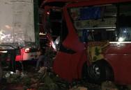 Ninh Thuận: Xe khách va chạm với xe container, ít nhất 12 người trọng thương