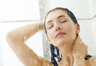 Dùng nước lạnh sau quan hệ, gây áp lực toàn bộ cơ thể