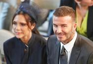 """Thần thái của vợ chồng David Beckham quá """"chất"""" trong đám cưới khiến dân mạng phát sốt"""