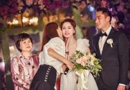 Cô dâu Chung Hân Đồng khóc từ đầu tới cuối tiệc cưới