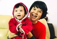 """Nhà báo Diễm Quỳnh: """"Làm mẹ ở tuổi 45, tôi khá nhàn vì có con gái lớn hỗ trợ"""""""