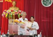 Hà Tĩnh: Trao tặng bằng khen của Bộ trưởng Bộ Y tế cho 4 bác sĩ đến từ Pháp