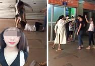 Vợ cũ bị 'vợ mới' của chồng đánh tới tấp: Anh ta cầm dao dọa không cho ai vào can