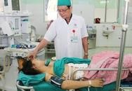 Người vợ trẻ bị mũi tên đâm cá xuyên thấu phổi