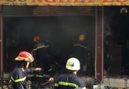 Cháy cửa hàng gốm sứ, khói bao phủ cả khu phố ở Sài Gòn
