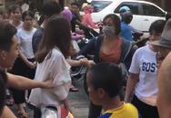 Hà Nội: Nghi vấn do ghen tuông vì bạn thân nhắn tin với chồng mình, 2 cô gái lao vào đánh nhau giữa phố cổ