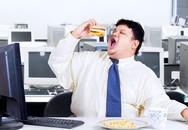 Ăn trưa ở bàn làm việc gây hại như thế nào?