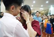 Khánh Thi bật khóc trong tiệc sinh nhật của Phan Hiển