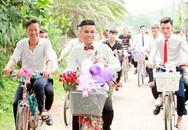 """Màn rước dâu bằng kiểu xe đạp có từ thời """"ông bà tôi"""" của chú rể Vĩnh Phúc gây xôn xao"""