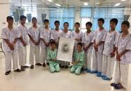 Hôm nay, đội bóng nhí Thái Lan xuất viện, tham dự họp báo