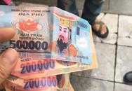 Khách Tây tố tài xế xích lô ở Hà Nội trả lại... tiền âm phủ