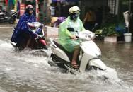Hà Nội mưa, nhiều tuyến đường ngập nước