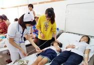 Hải Dương: Hàng loạt người nhập viện cấp cứu nghi bị ngộ độc do ăn cỗ cưới