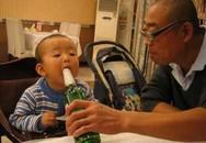 """Ông nội cho cháu nhấp thử ngụm rượu, bác sĩ lắc đầu: """"sa sút trí tuệ suốt đời"""""""