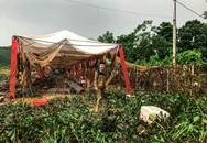 Hình ảnh cười ra nước mắt đám cưới ngày chạy lũ trong cơn bão Sơn Tinh