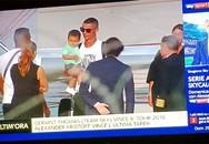 Hình ảnh hiếm: Ronaldo bế con trai, được bảo vệ nghiêm ngặt khi đến Turin