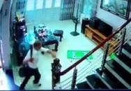 Hình ảnh kinh hoàng từ camera vụ cán bộ cai nghiện chém 3 phụ nữ thương vong