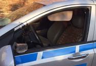 Nghi án hành khách 'quỵt tiền' đập nát kính ô tô taxi, cướp tài sản
