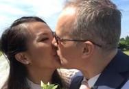 Lý Thanh Thảo 'Mùi ngò gai' hôn đắm đuối chồng Tây trong lễ cưới ở Hà Lan