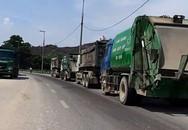 Khổ sở vì bãi rác khổng lồ, dân chặn xe đòi gặp lãnh đạo thành phố