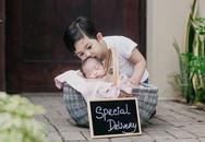 Dân mạng phát sốt với hình ảnh yêu thương của 2 bé nhà Khánh Thi