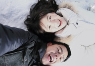 Tấm ảnh giấu gầm giường và bí mật về cô bạn gái phương xa của chồng khiến vợ căm hận