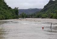 Mưa lớn sau bão số 4, nhiều bản làng ở Nghệ An bị chia cắt