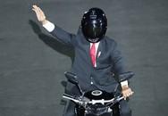 Lễ khai mạc Asiad 2018: Tổng thống Indonesia tự mình lái xe phân khối lớn xuất hiện