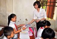 Điện lực Hà Nội tặng 50.000 vở mới cho học sinh khó khăn