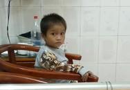 Không còn ngủ ngoài đường, cậu bé Hà Giang khóc nhớ mẹ