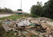 Báo động tình trạng đổ phế thải trên đê Hữu Hồng