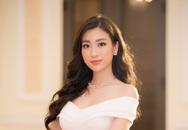 Hoa hậu Đỗ Mỹ Linh đẹp xuất thần khi nhận giải Nghệ sĩ Nhân ái