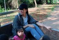 Hoa hậu Trần Tiểu Vy ngồi xe công nông thực hiện dự án nhân ái