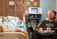 Ông ngoại khóc nghẹn bên giường cháu gái 5 tuổi đang chết dần vì ung thư