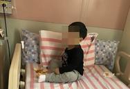 Bé 3 tuổi bị nhốt trong nhà cạnh xác ông bà