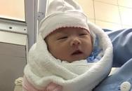 Hà Nội: Truy tìm người đàn ông 30 tuổi đem bé gái sơ sinh đến bệnh viện nhờ người trông rồi bỏ đi