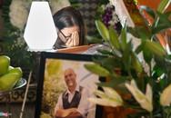 Bạn gái khóc nức nở trong lễ tang đạo diễn 'Yêu đi đừng sợ'