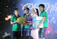 Khán giả miền Tây mang trái cây lên Sài Gòn tặng Phi Nhung