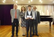 Bản nhạc 27 phút giúp cậu bé người Việt giành giải Nhì cuộc thi piano quốc tế Mozart