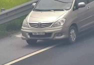 Nữ tài xế lùi ô tô trên cao tốc bị phạt 1 triệu đồng