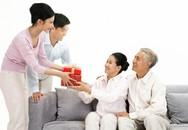 """Khóc cười chuyện """"cái bao"""" (3): Trớ trêu chuyện con dâu tặng bao cao su có gai cho… mẹ chồng"""