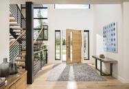 Khéo léo thiết kế không gian ngay sau cánh cửa ra vào để gây ấn tượng với mọi vị khách đến nhà