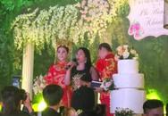Mẹ chồng tặng sổ đỏ mừng một năm ngày cưới Lâm Khánh Chi