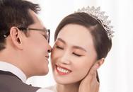 Vợ trẻ xinh đẹp của NSND Trung Hiếu nồng nàn hạnh phúc bên chồng