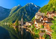 Những ngôi nhà 700 năm tuổi nổi bật giữa cảnh sắc non nước tuyệt đẹp